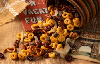 Laurie and Maryjane Infused Trail Mix Recipe: Easy, Discreet, Delicious!