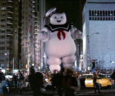 Stay Puft Marshmallow Man, l'uomo della pubblicità degli gnocchi di lichene. Scena dal film Ghostbusters - Acchiappafantasmi