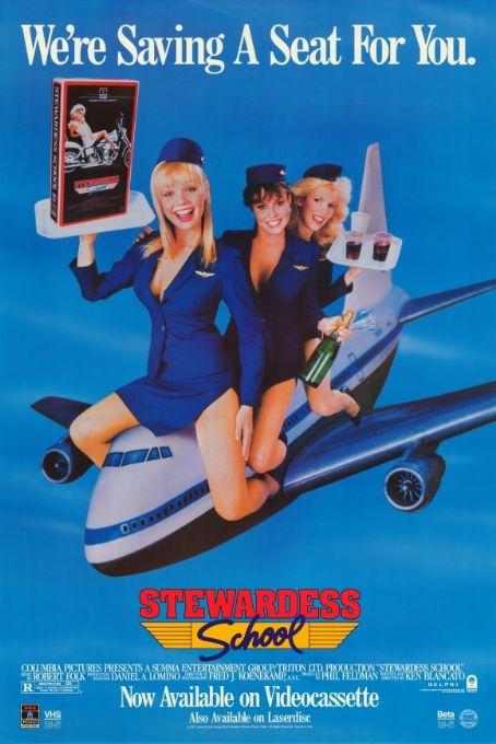 Locandina di Stewardess School, in Italia intitolato L'aereo più pazzo del mondo 3