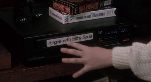 La videocassetta di Angeli con la faccia sporca