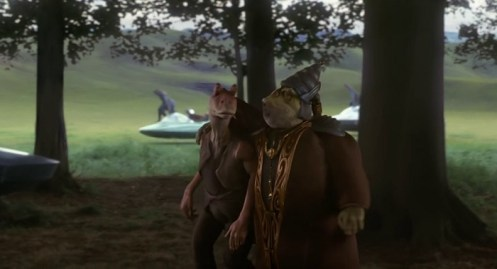 Scena di Star Wars episodio 1 la minaccia fantasma. Jar Jar Binks e Boss Nass