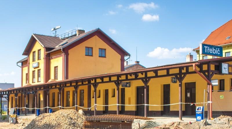 V Třebíči byla zahájena rekonstrukce výpravní budovy
