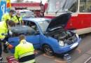 V Praze Michli došlo k nehodě tramvaje a osobního automobilu