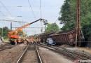 OBRAZEM: Vykolejení nákladních vozů ve Mstěticích