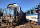 V Kdyni na Domažlicku se ve stanici srazily vlaky, na místě více než desítka zraněných