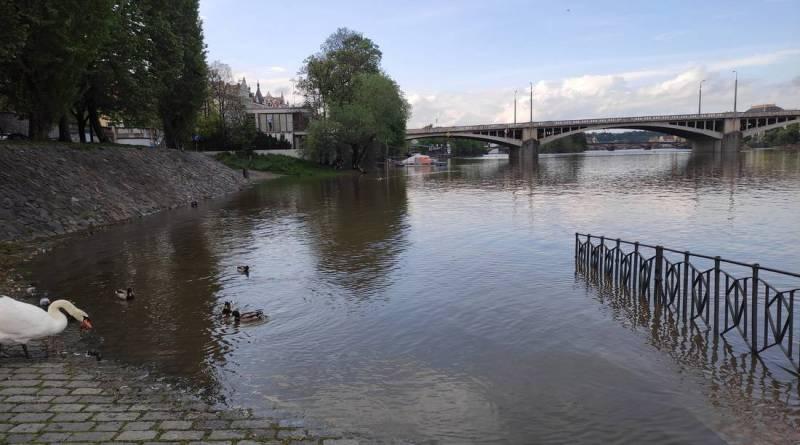 Hydrometeorologové pro Prahu prodloužili výstrahu na povodňovou bdělost