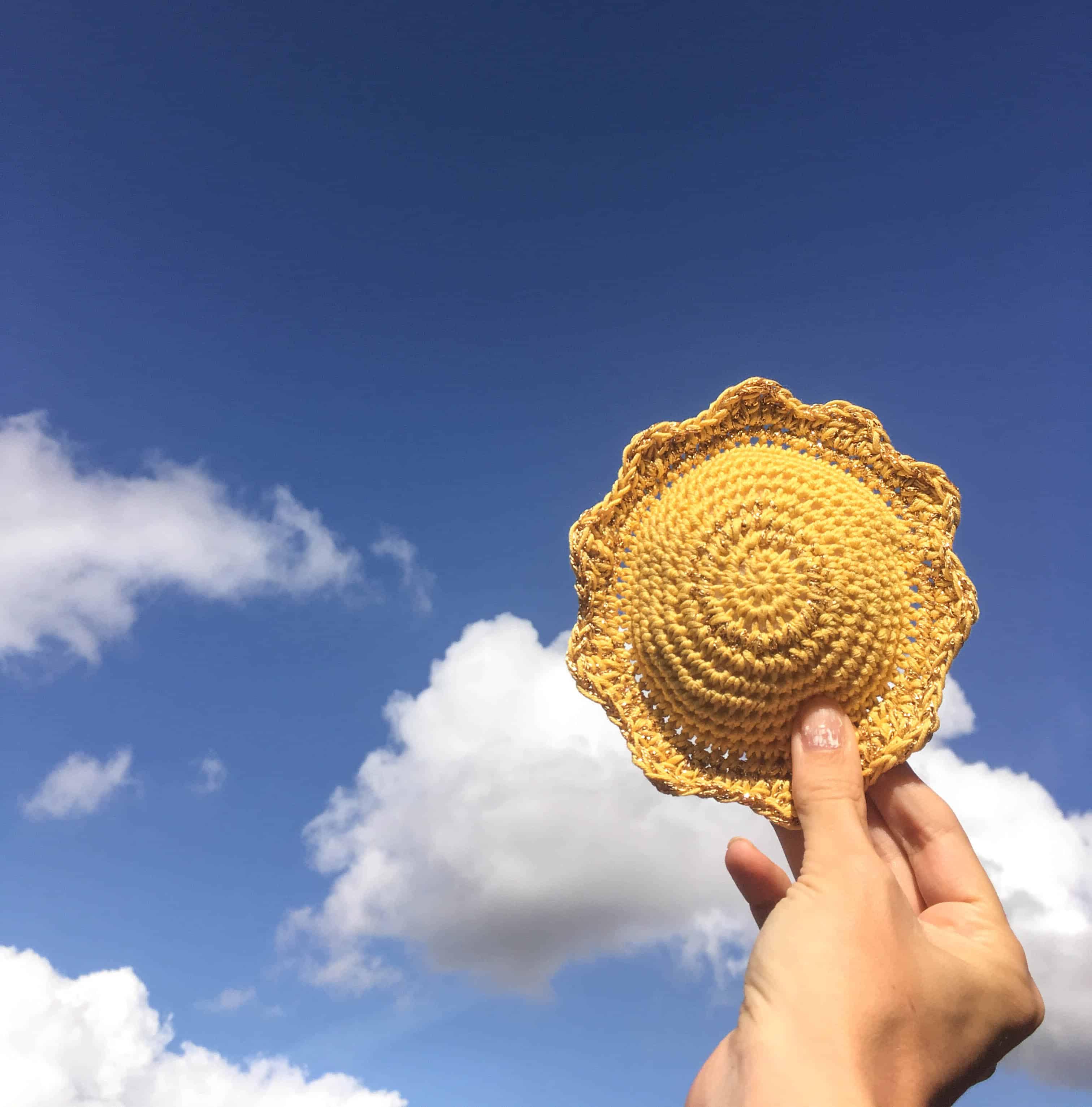sun shaped crochet pin cushion paattern