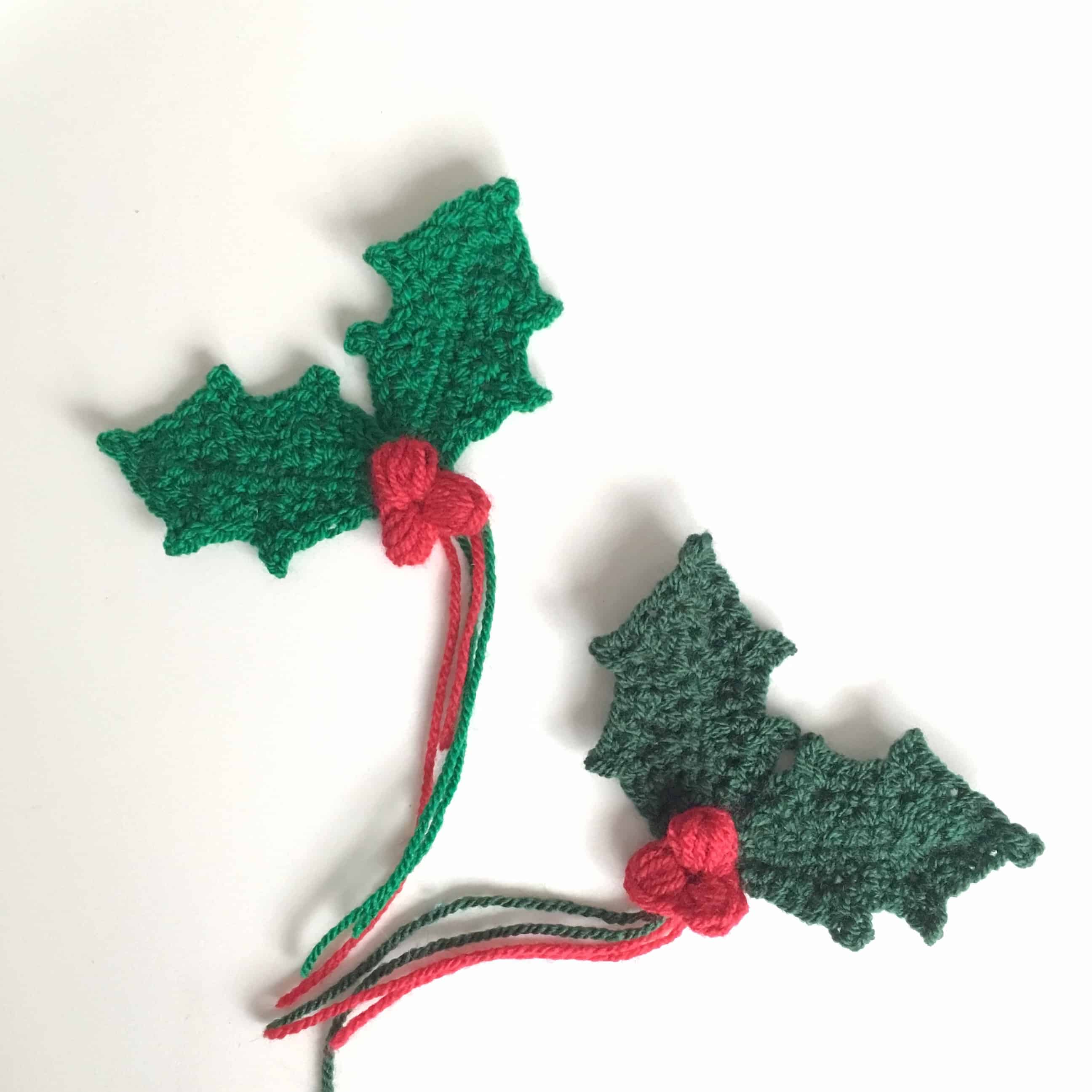 crochet holly sprig with berries by doradoes.co.uk