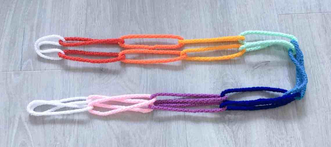 crochet rainbow chain