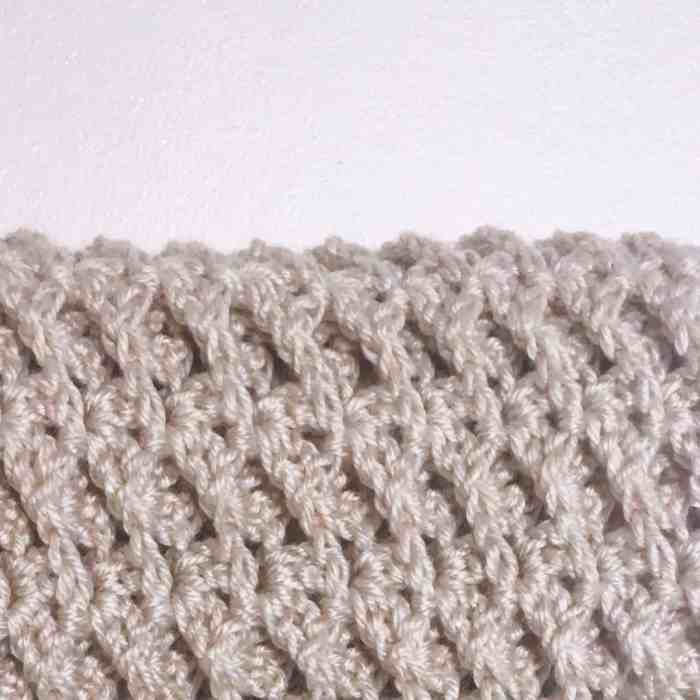 connected crochet cowl texture stitch pattern