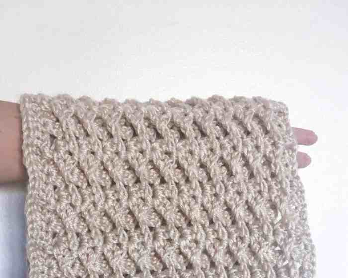hanging crochet cowl connected texture cables
