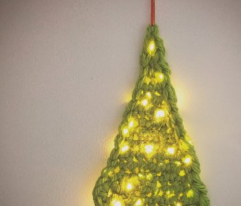 light up crochet christmas tree