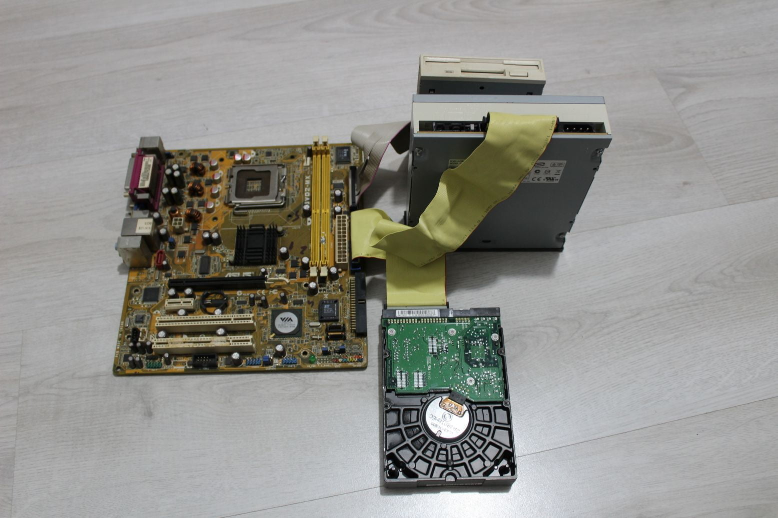 informatica placa de baza hdd cd rom informatica Informatica sau Tehnologia informatiei si a comunicațiilor va fi cea mai importanta materie scolara începând din 2020 informatica placa de baza hdd cd rom