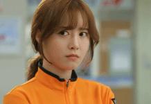 Gu Hye Sun tira certificação para professora de mergulho