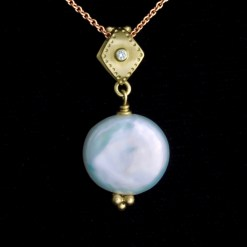 coin pearl and gold pendant with diamond