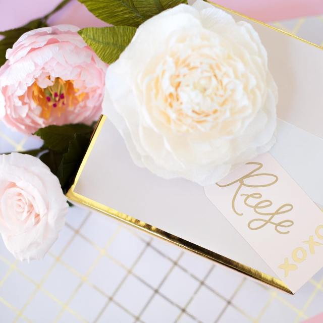 How stunning are these GORG paper blooms from loveandpapernola nohellip