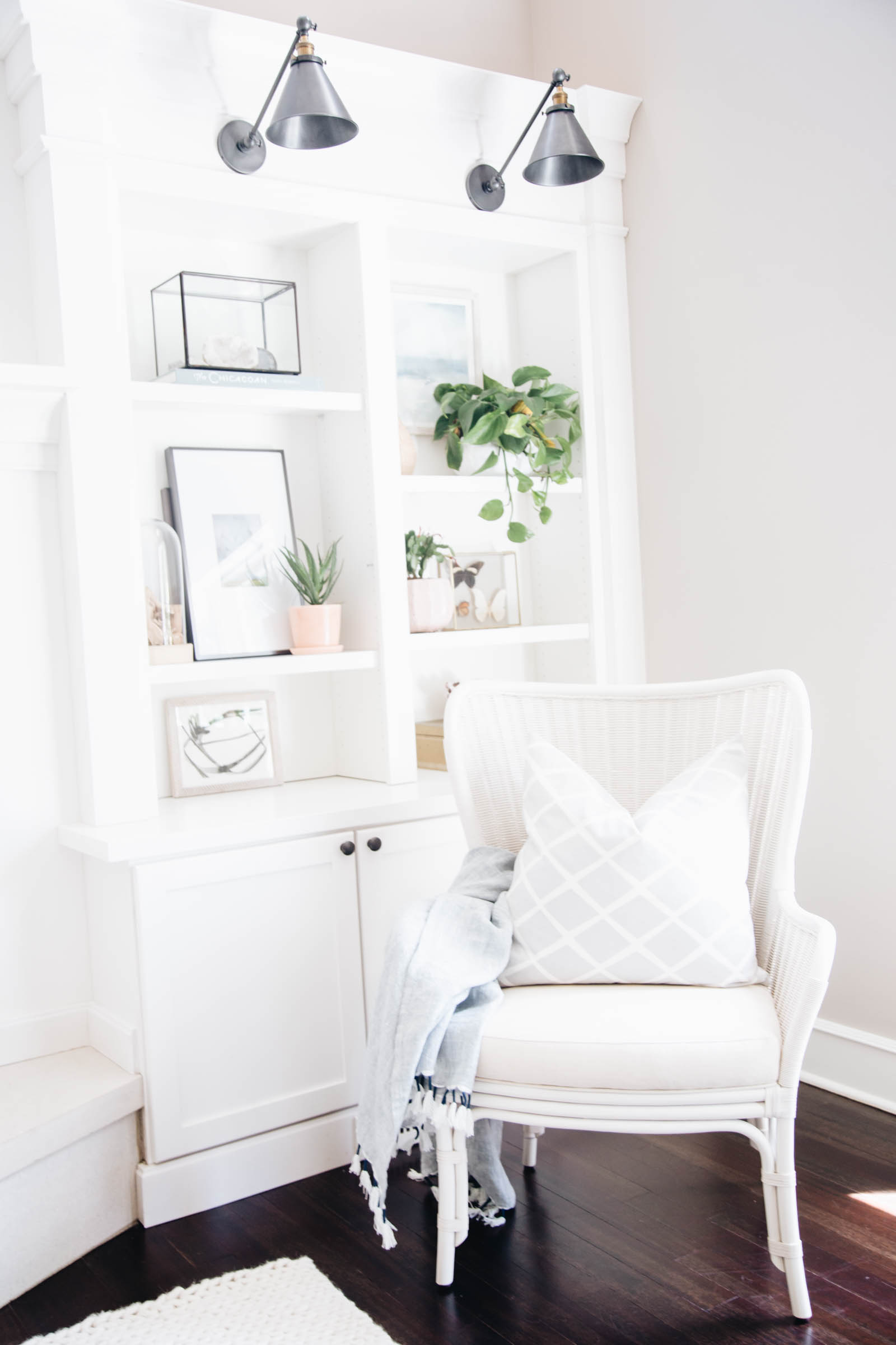 White Accent Chairs Used.Weekly Round Up Get The Look Accent Chairs Doreen Corrigan