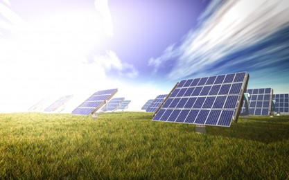 Saulės baterijų klodai: daugiau naudos ar žalos