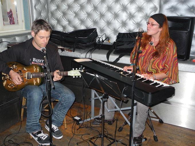Nane Frühstückl und Frank Schwinn im Flavour in der Imbergstraße/ Steingasse. Foto: KTraintinger, Dorfzeitung