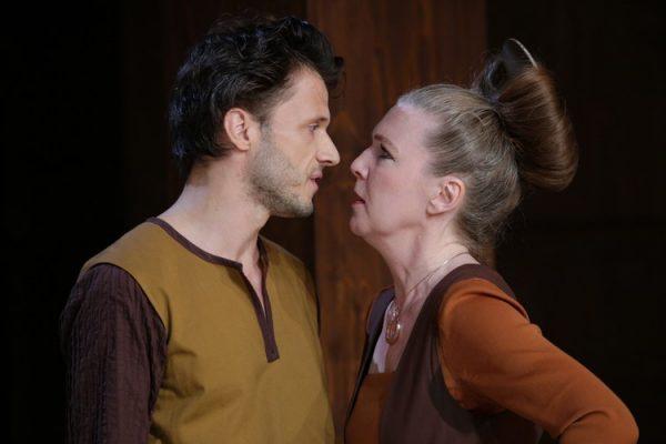 v.l.n.r. Matthias Hinz (Ruprecht), Susanne Wende (Marthe Rull)