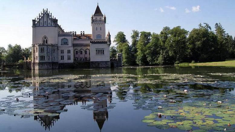 Fromleichnam, Schloss Anif