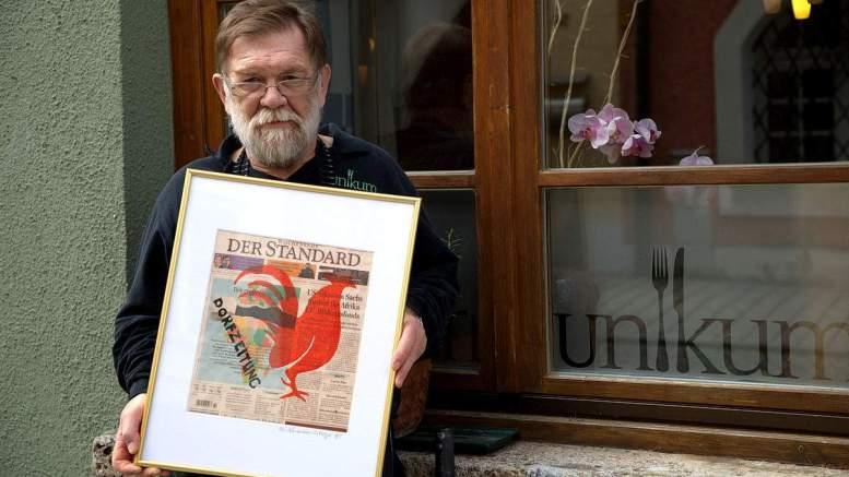 Walter Ostermaier mit der Dorfzeitung