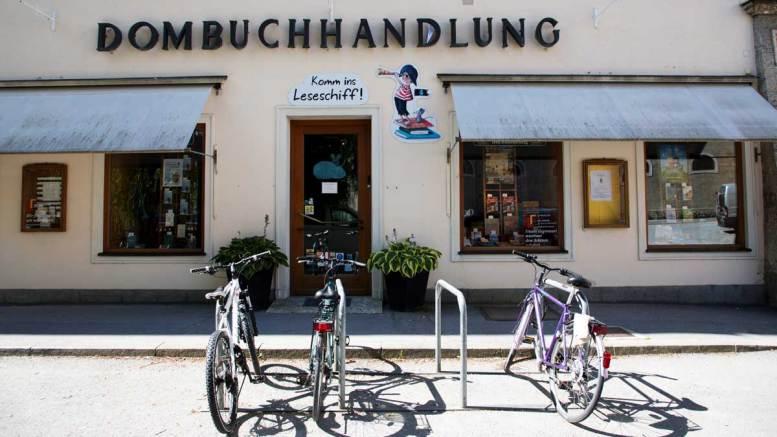 Dombuchhandlung   Fotos: KTraintinger, Dorfbild.com