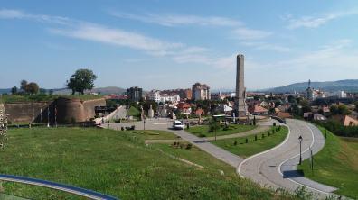 Obeliscul lui Horea, Cloșca și Crișan văzut de la un punct de belvedere