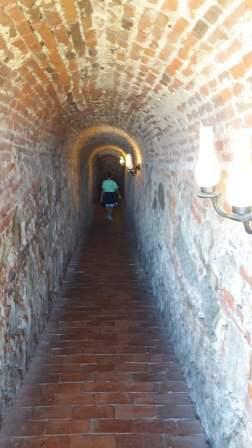 Tunelul care duce la temniță
