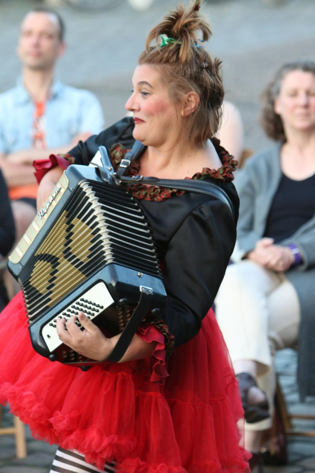"""Doris Friedmann - """"Glück! Festivals + Strassentheater"""