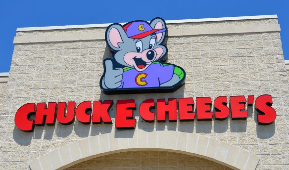 Chuck E Cheese's (1)