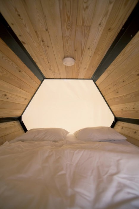 Honeycomb Hotel Stackable Sleeping Cells At The B And Bee