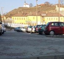 Ingyenes lesz a parkolás Esztergomban