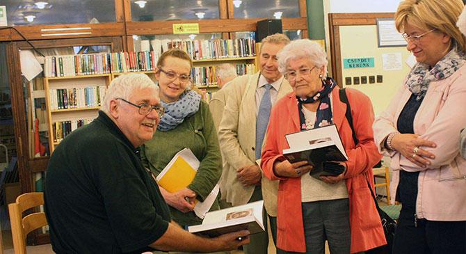 Kubassek János az esztergomi könyvtárban