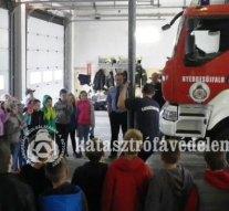 Diákok voltak a nyergesújfalui laktanyában