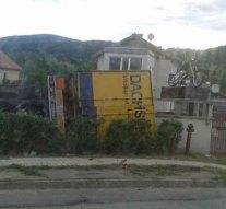 Udvarban landolt egy kamion
