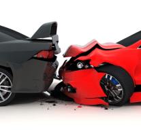 Autóbaleset a Széchenyi-lakótelepen