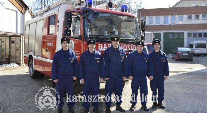 Öt újonc tűzoltó kezdte meg a szolgálatot