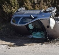 A baleset elkerülése érdekében kormányozta járművét az árokba