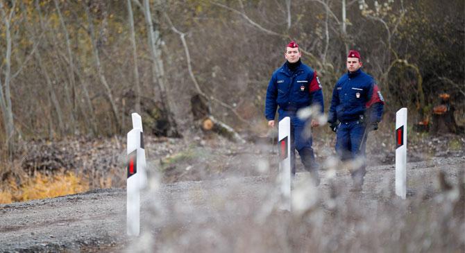 Határvadászokat toboroztak Esztergomban