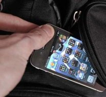 Telefont és bankkártyát lopott az esztergomi élményfürdőből