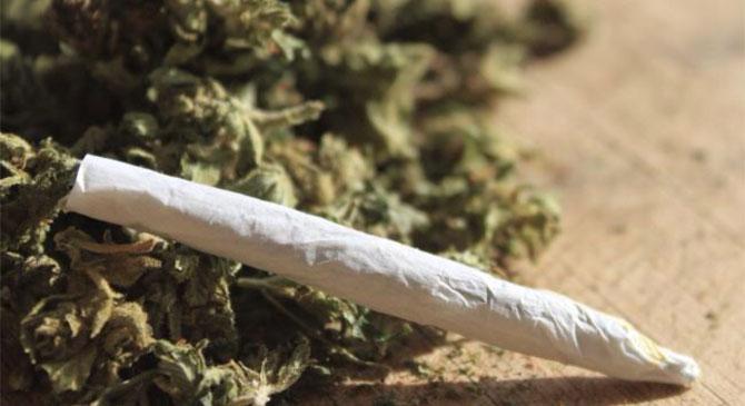 Két dílert és 12 drogfogyasztót állítottak elő Esztergomban