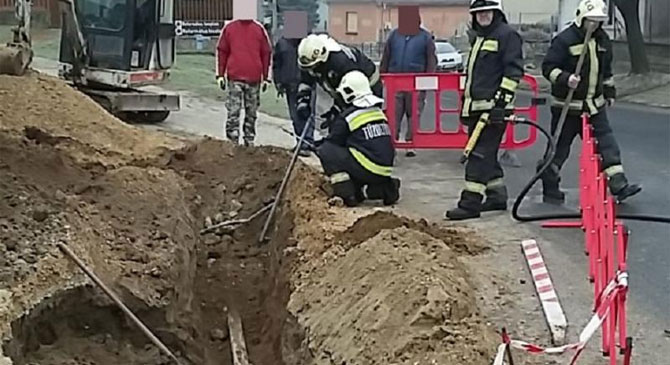 Gázvezetéket szakított el egy munkagép Lábatlanon