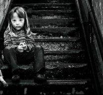 Kegyetlenül bánt gyermekével egy dorogi anya, vádat emeltek ellene