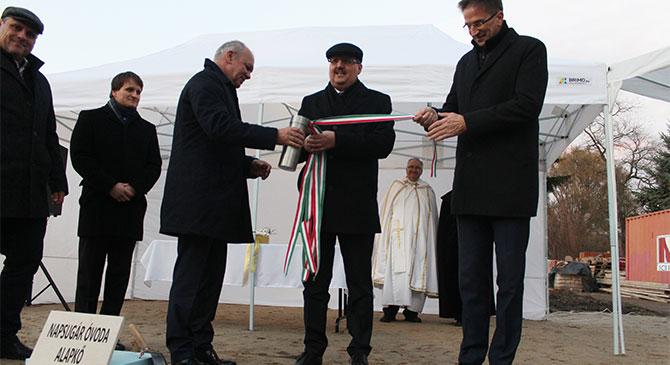 Elhelyezték a nagysápi óvoda alapkövét