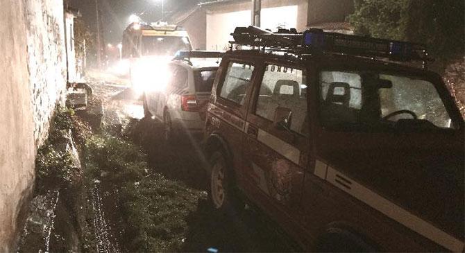 Idős férfin segítettek tűzoltóink Tokodon