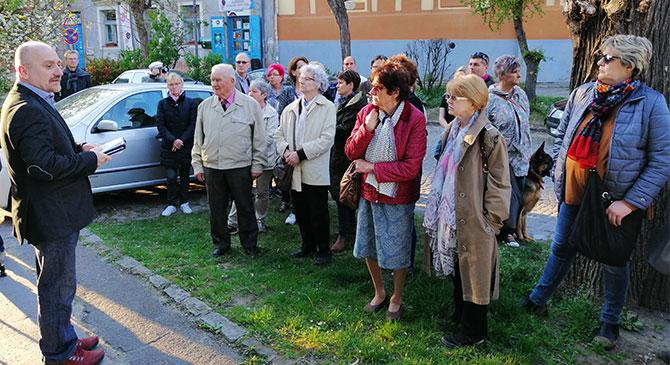 Emléksétát rendeztek Esztergomban