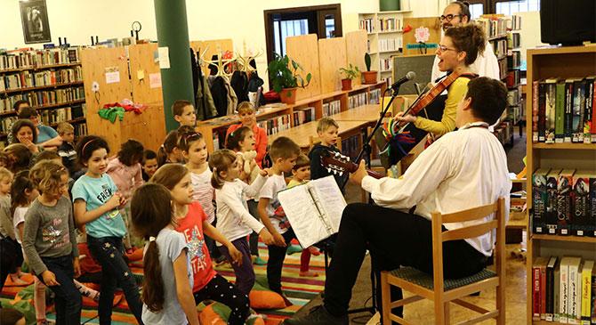 Gyermeknap az esztergomi könyvtárban