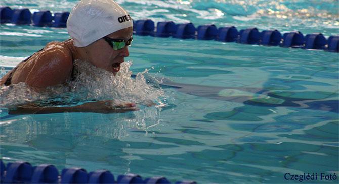 Kiváló eredményeket ért el egy dorogi úszó