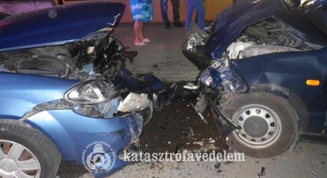 Fotók a vasárnapi dorogi balesetről